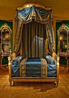 Stanislas august of poland throne chair 1764 royal for Empire style bed