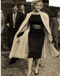 Marilyn Monroe in England, 1956.