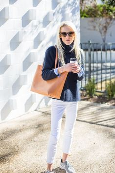 25 outfit ideas to style white pants - How to style white jeans 25+ outfit ideas