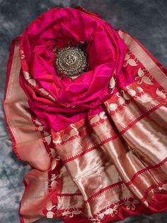Pink Color Plain Pure Katan Silk Banarasi Saree with Magenta Contrast Shikargah Zari work on Broad Border and Pallu. Red Saree Wedding, Indian Wedding Outfits, Indian Outfits, Indian Dress Up, Indian Attire, Indian Wear, Indian Beauty Saree, Indian Sarees, Kanjivaram Sarees