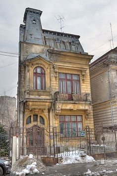 Abandoned house in Bucharest