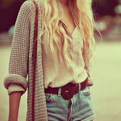 #tumblr #weheartit #cute #love #winter #clothes #sweater #belt #bluejeans #blue #jean #shorts