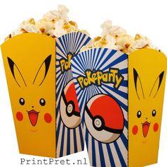 Pokemon traktaties, popcornbakjes onderdeel van het doe het zelf Pokemon feestpakket van PrintPret.nl #pokemon #pickachu #traktatie #kinderfeestje #feestpakket #diy #printpret www.printpret.nl
