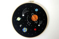 Solar system embroidery wall art space wall by CreaMorDesignParis Flower Embroidery Designs, Creative Embroidery, Simple Embroidery, Hand Embroidery Stitches, Embroidery Hoop Art, Cross Stitch Embroidery, Wall Decor, Wall Art, Room Decor