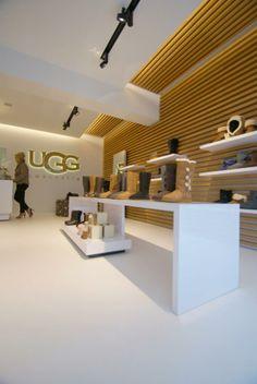 UGG HASSELT #Prolicht #DARK #concept #fashion store #Okyo #interiordesign #lighting #project Hasselt BE [www.uggaustralia.be]
