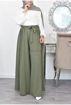 Hijab Fashion Summer, Modest Fashion Hijab, Modesty Fashion, Islamic Fashion, Muslim Fashion, Girls Fashion Clothes, Fashion Outfits, Mode Bcbg, Hijab Fashion Inspiration