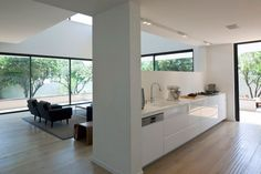 G House by Paz Gersh Architects | HomeDSGN