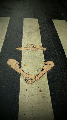 """Hang on."" Street Art."