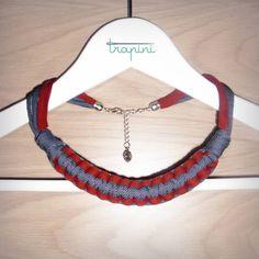 Collar de macramé de trapillo con cierre metálico y cadena ajustable. Más colores disponibles. Consultar precios y plazos por privado.