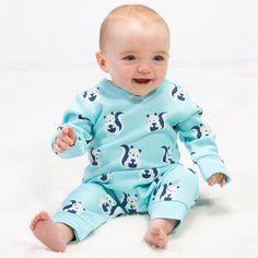 Salopetă bebelusi din bumbac organic certificat GOTS. Model prevăzut cu închidere cu capse pe umăr, pentru o îmbrăcare mai ușoară.   Compoziție 100% bumbac organic.   Mărimi disponibile 6-9 luni până la 9-12 luni. Serendipity, Kite, Mai, Squirrel, Claire, Onesies, Organic, Model, Clothes