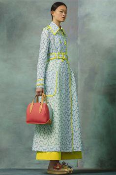 http://www.vogue.com/fashion-shows/resort-2017/delpozo/slideshow/collection