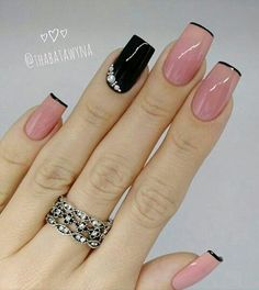 34 Trendy Nails Pink Black Manicures Many women prefer to visit the hairdresser even if they don't have time … Manicure Nail Designs, Manicure And Pedicure, Nail Art Designs, Black Manicure, Fabulous Nails, Perfect Nails, Gorgeous Nails, Shellac Nails, Pink Nails