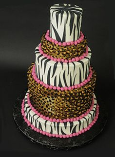 Funny wedding cake, be it a form or motive can certainly attract the attention of the guests invited. and this time we give some sample of animal print cakes option for your wedding cake
