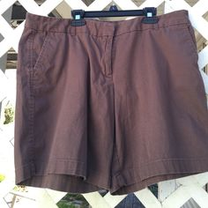 🌷Nice Shorts🌷 Nice khaki looking shorts in good condition! Need more pics let me know 😊🌷 Counterparts Shorts