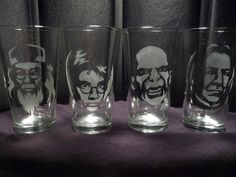 Harry Potter 16 oz Glasses- Set of 4 from geekyglassware on Etsy. Saved to Harry Potter. Harry Potter Disney, Harry Potter Items, Harry Potter Glasses, Harry Potter Love, Harry Potter World, Quirky Decor, Cool Glasses, Hogwarts, Geek Stuff