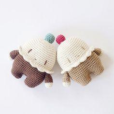 Vanilla Cupcake Cushion por lacasadecoto en Etsy