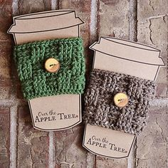 Basket Weave Coffee Sleeve - crochet mug cozy Crochet Coffee Cozy, Crochet Cozy, Diy Crochet, Ravelry Crochet, Small Crochet Gifts, Coffee Cup Cozy, Crochet Projects To Sell, Yarn Projects, Sewing Projects