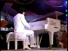 Dino Kartsonakis - Hallelujah Chorus | http://pintubest.com