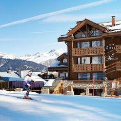 Sharing some photos from the hotel 3 vallées at Courchevel. Now on my blog. Link on my bio @lescarnetsdelisbeth  #luxuryhotel #courchevel #photooftheday #ontheblog #mountains #designhotel #mytinyatlas #designlovers #archigram #explorethecreative #skilove #ski #instadecor #luxury #cosyhome #beautifuldecor #instadesign #livethedream #liveauthentic #exploremountain #snow #snowboarding #instatravel #interiordesign #holidays #instadecor #ontheblog #ilovemountains #designers by lescarnetsdelisbeth