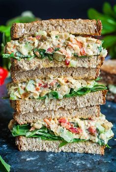 Healthy Meals Healthy Vegetarian Garden Veggie Chickpea Salad Sandwiches - Make this tasty Garden Veggie Chickpea Salad Sandwich in advance for a party or picnic or to take along as an easy weekday lunch for work or school. V GF Salat Sandwich, Chickpea Salad Sandwich, Veggie Sandwich, Vegan Sandwiches, Veggie Wraps, Vegan Chicken Salad, Sandwich Spread, Healthy Chicken, Light Sandwiches
