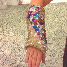 11 Popular Cast Decorations Images Cast Art Arm Cast Broken Arm Cast