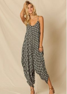 Image result for harem jumpsuit pattern Jumpsuit Pattern, Jumpsuit Dress, Latest Trends, Style Inspiration, Clothes For Women, Jumpsuits, My Style, Random Quotes, Cloths