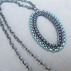 Looking Glass Pendant.  I don't do bead weaving, but this tutorial is so good, I think I can do it.