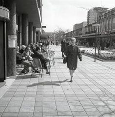 Lijnbaan te Rotterdam. Nederland, april 1961.