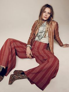 Ieva laguna takes on casual spring style in free people look 70s Inspired Fashion, 70s Fashion, Women's Fashion Dresses, Trendy Fashion, Fashion Models, Vintage Fashion, Fashion 2018, Womens Fashion, 70s Outfits