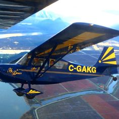 The Super Decathlon is always a treat to look at.  . . . . . . #annaskydancer #skydancer #pilotlife #pilot #piloteyes #aviation #pilotview #femalepilot #womeninaviation #womenaviators #pilotgirl #aviatrix #ladypilot #instapilot #lifeasapilot #whyifly #pilotstyle #goproaviation #aviation #avgeek #instapilot #instagramaviation #comeflywithme #aviationlovers #aviationdaily #pilotlifestyle #happylandings #airshow #airshow2017 #aerobatics #smokeon #airshowlife #taildragger #superdecathlon