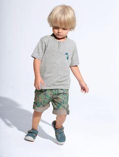 Conjunto camiseta + bermudas niño AZUL OSCURO LISO+BLANCO CLARO A RAYAS+GRIS MEDIO JASPEADO+VERDE MEDIO A RAYAS