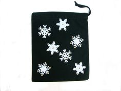 Small Christmas Applique Gift Bag, Green or Red Small Drawstring Sack £3.00