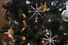 Annin joulukoristeet Christmas Tree, Decorating, Holiday Decor, Home Decor, Teal Christmas Tree, Decor, Decoration, Decoration Home, Room Decor