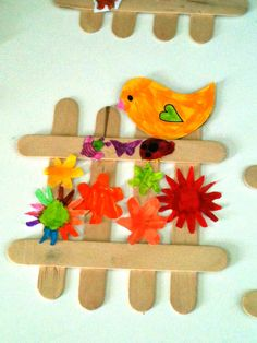 The Constant Kindergartener - Teaching Ideas and Resources for Early Childhood Educators.: Class Crafts