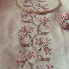 Photo from zbaccessories Tiny Cross Stitch, Cross Stitch Borders, Cross Stitch Designs, Cross Stitching, Cross Stitch Patterns, Tambour Embroidery, Vintage Embroidery, Cross Stitch Embroidery, Crochet Curtains