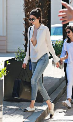 Kendall Jenner - Grabbing Yogurt at Go Greek in Beverly Hills, July 14, 2015. - See more at: http://runwayandbeauty.tumblr.com/post/124136697744/kendall-jenner-grabbing-yogurt-at-go-greek-in#sthash.cBN2eC5T.dpuf