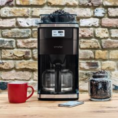 Make fresh coffee without the fuss with the Smarter Coffee Maker. Simply order coffee from your app and this machine will make it for you wirelessly. Coffee Barista, Coffee Menu, Coffee Creamer, Coffee Drinks, Coffee Shop, Starbucks Coffee, Coffee Lovers, Fresh Coffee, Hot Coffee