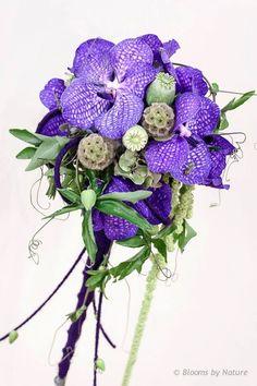 Bruidsboeket met Vanda Blue Magic, bridal bouquet with Vanda Blue Magic White Orchid Bouquet, Purple Flower Bouquet, Orchid Bouquet Wedding, Purple Bouquets, Lavender Bouquet, Purple Wedding Flowers, Bride Flowers, Floral Bouquets, Floral Flowers
