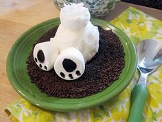 Bunny Butt Sundaes ~ chocolate cookie crumbs, a nice rounded scoop of ice cream, marshmallows and shredded coconut... so darn cute, love! Would be cute for a kids birthday party or a Bunny themed baby Shower  :)