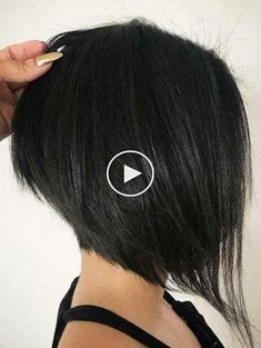 20 images of the best inverted bob hairstyles Asymmetrical Bob Haircuts, Inverted Bob Hairstyles, Edgy Haircuts, Short Bob Haircuts, Long Bob With Bangs, Short Hair With Layers, Hairstyles For Fat Faces, Cute Hairstyles For Short Hair, Short Hair Styles Easy
