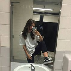 Image about girl in icons by nai. on We Heart It Image about girl in icons by nai. on We Heart It Tomboy Outfits, Mode Outfits, Grunge Outfits, Grunge Fashion, Casual Outfits, Girl Outfits, Fashion Outfits, Boyish Outfits, 90s Fashion