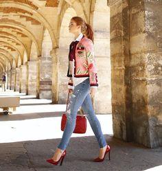 """Nas redes sociais, os fãs virtuais da atriz ficaram encantados com os cliques da famosa pelas ruas de Paris. """"É muito poderosa, que fotos lindas"""", comentou uma internauta. (Foto: Reprodução/Instagram)"""