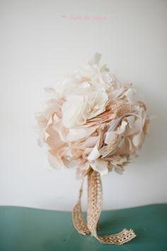 buquê de tecido – casamento da Junia Lane