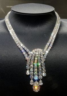 Celebrities who use a Harry Winston Splash Diamond Necklace. Also discover the movies, TV shows, and events associated with Harry Winston Splash Diamond Necklace. Gems Jewelry, Diamond Jewelry, Fine Jewelry, Jewelry Necklaces, Beaded Necklace, Necklace Set, Statement Necklaces, Bullet Jewelry, Diamond Necklaces