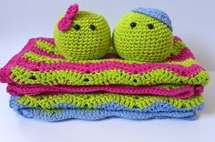 Two Peas in a Pod // Twin Crochet Blankets and by SweetMatroyshkas