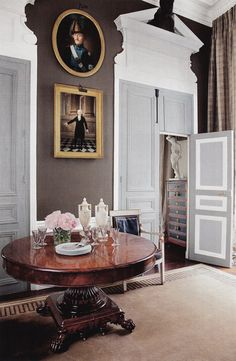 This American Couple's Paris Home Celebrates French Style - Architectural Digest Parisian Apartment, Paris Apartments, Architectural Digest, Interior Architecture, Interior Design, Neoclassical Architecture, Interior Door, Traditional Office, Paris Home
