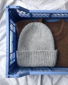 Ravelry: The Stockholm Hat pattern by PetiteKnit Beanie Knitting Patterns Free, Knitting Stitches, Knit Patterns, Free Knitting, Yarn Projects, Knitting Projects, Crochet Projects, Rm 1, How To Purl Knit