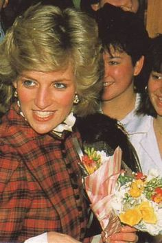 Janvier 1985 Princess Diana Wedding, Princess Charlotte, Princess Of Wales, Princesa Diana, Princess Diana Pictures, Hm The Queen, Royal Tiaras, Photo Pin, Lady Diana Spencer