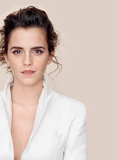 Emma Watson photographed by Kerry Hallihan for ELLE UK, March 2017. @lilyriverside