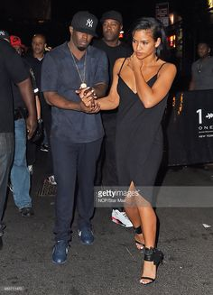 Sean Diddy Combs and Cassie Ventura are seen leaving 1 OAK Nightclub on August 2015 in New York City. P Diddy And Cassie, Cute Couples Goals, Adorable Couples, Couple Goals, Sean Diddy Combs, Cassie Ventura, Perfume Ad, Date Dresses, Celebs